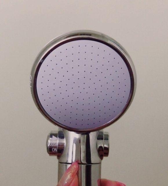 水と泡の力(マイクロバブル)でエイジングケアできる大人気のシャワーヘッドオーブルがオススメです!