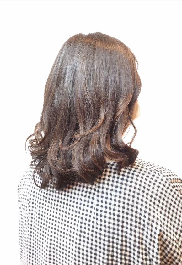 艶と透明感のある今どきカラーで白髪染めを楽しもう!
