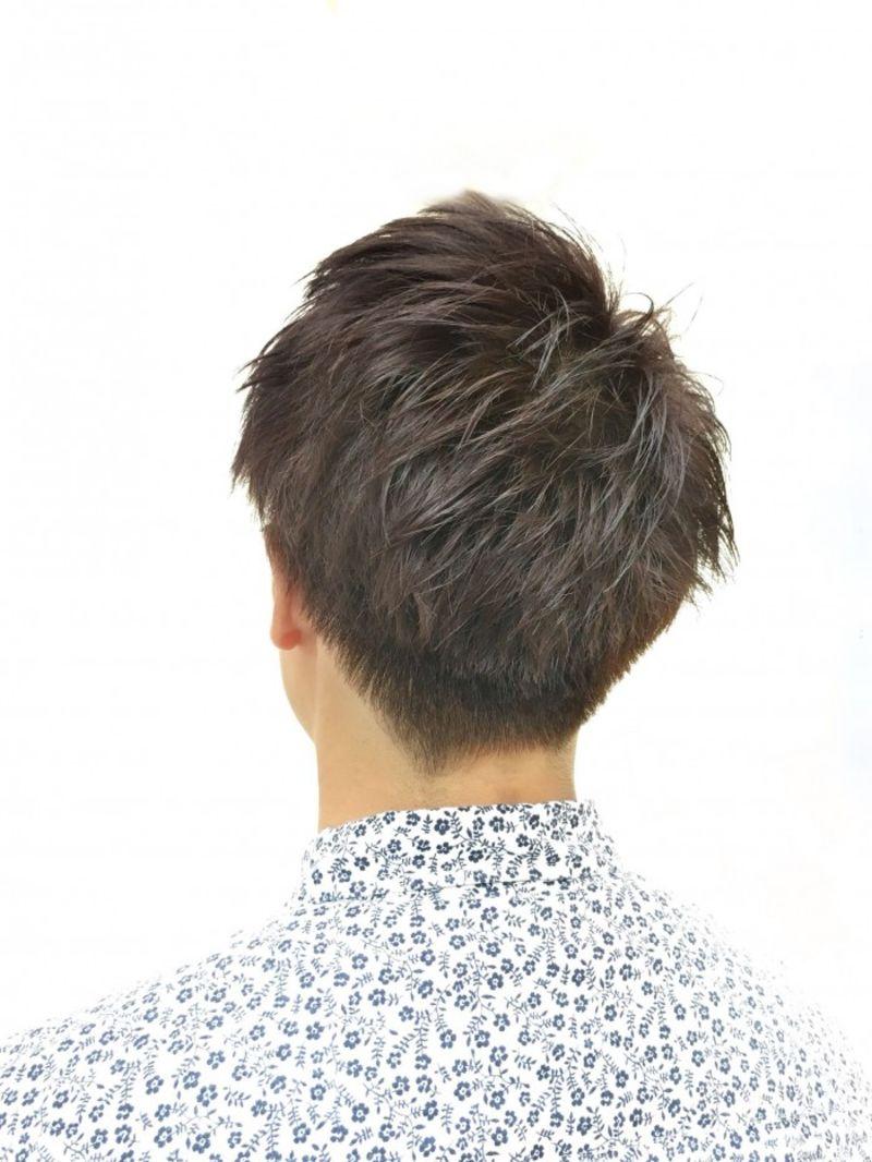 ブリーチ後に出来る透明感ある暗髪②
