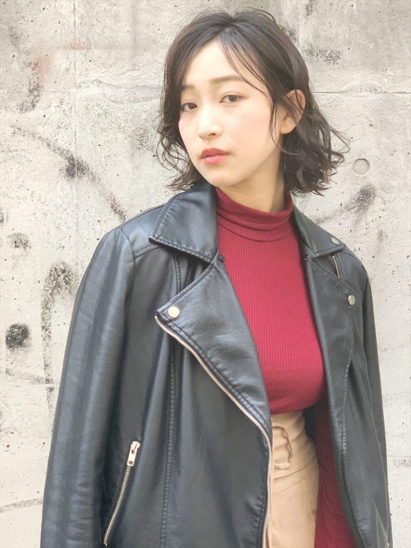 女子ウケ抜群な外ハネベースのミックスロブスタイル②