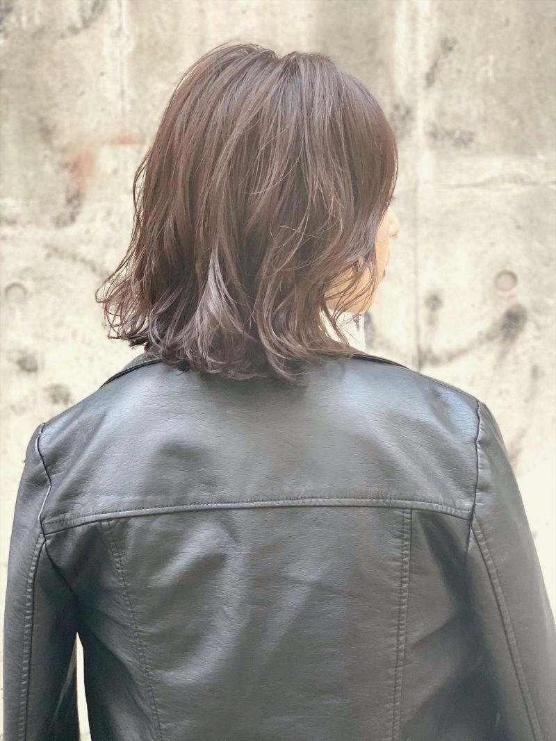 女子ウケ抜群な外ハネベースのミックスロブスタイル④