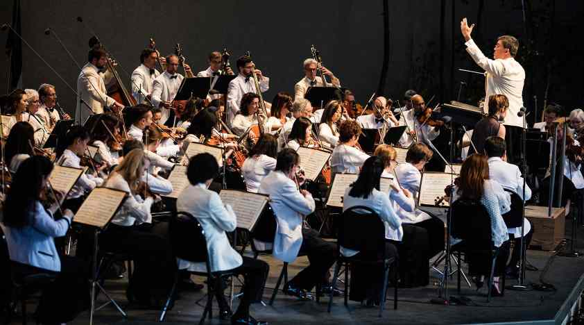 Alan Gilbert Conducts Music Academy of the West's 70th Anniversary