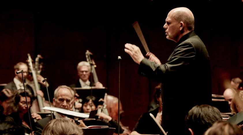 Van Zweden Conducts <em>The Rite of Spring</em> in Shanghai