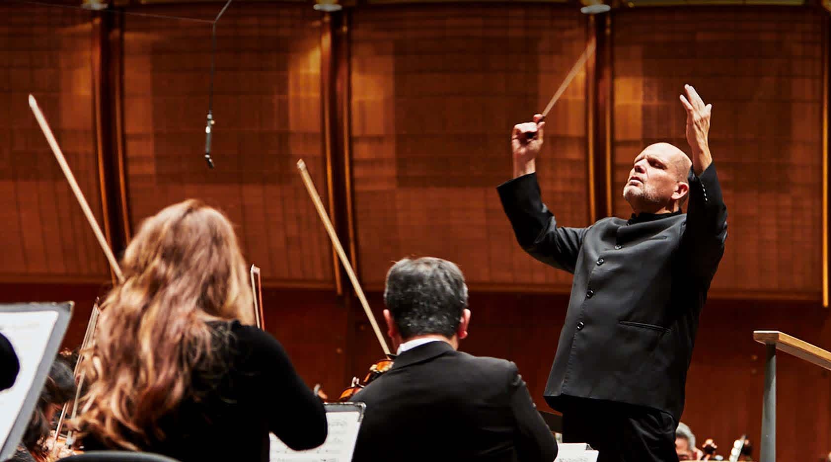 Jaap van Zweden Conducts Shostakovich