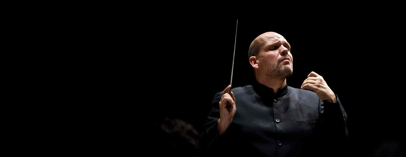ASIA 2018: Van Zweden Conducts Mahler in Taipei