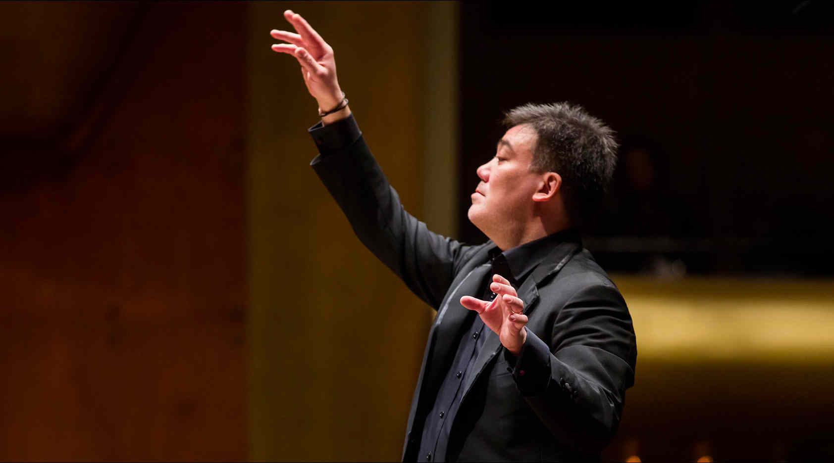 Gilbert Conducts Wagner's <em>Das Rheingold</em>