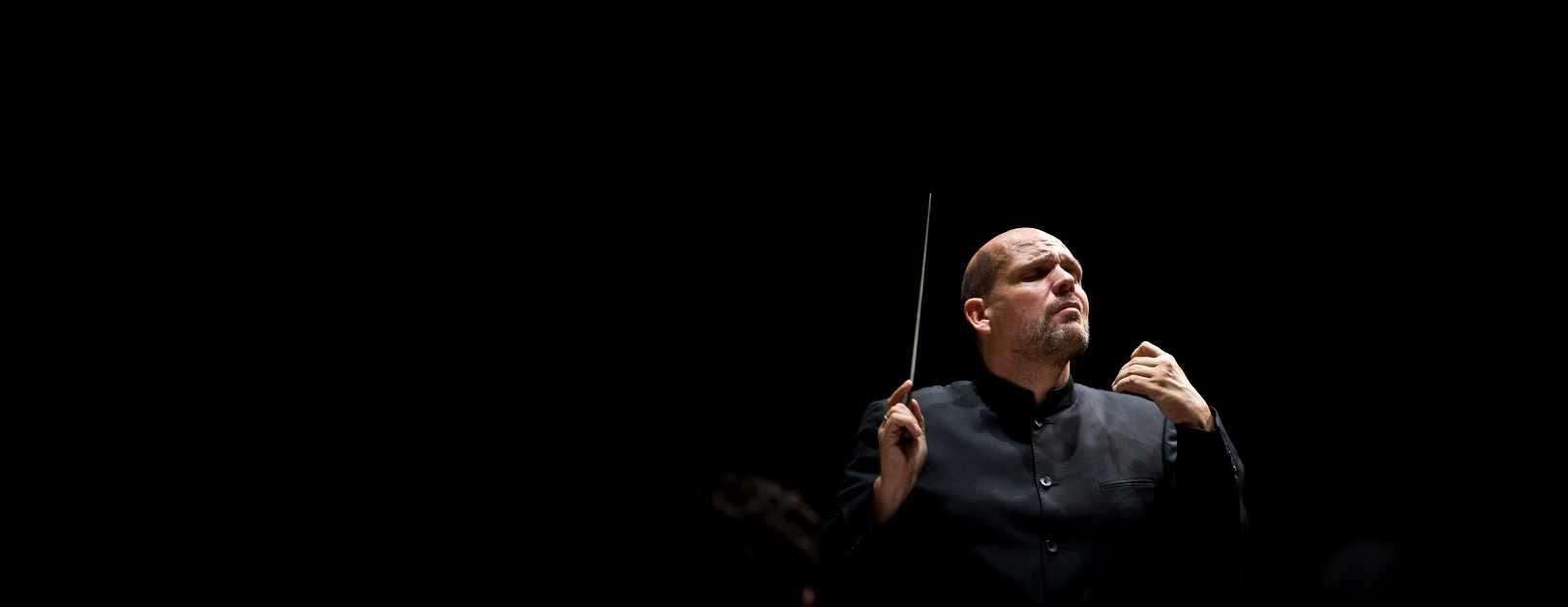 Van Zweden Conducts Tchaikovsky & a Premiere