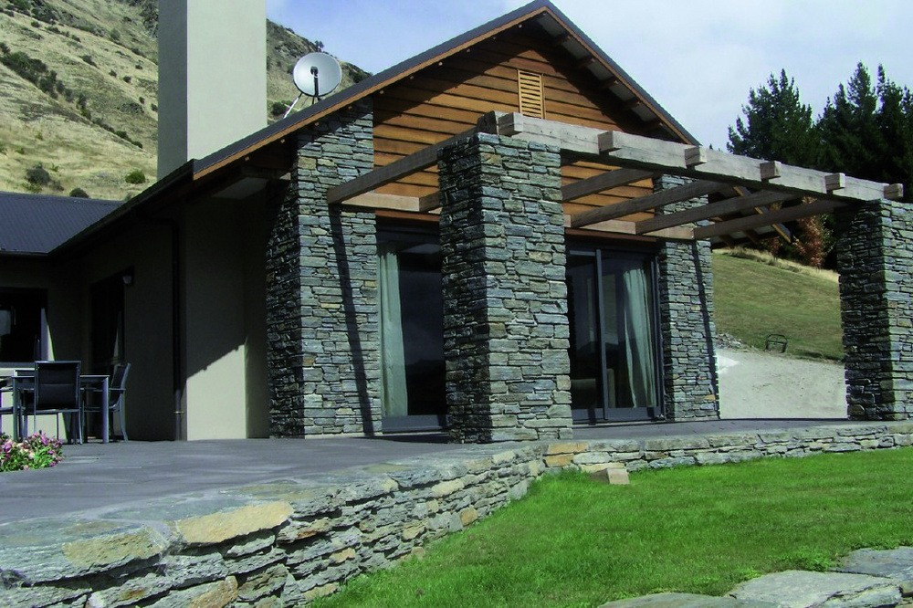 Schist Cottage & Stone Lodge