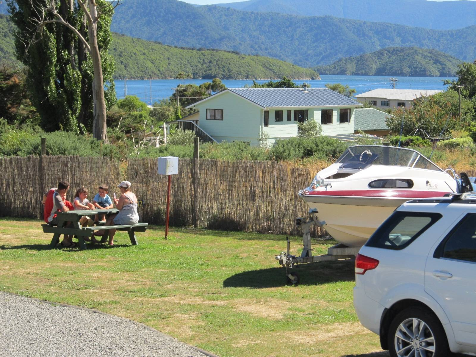 Picton's Waikawa Bay Holiday Park & Park Motels