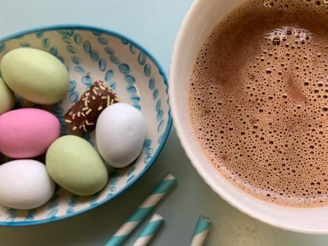 Varm sjokolade med HaPå og appelsin til påske. Søt og deilig kakao som varmer og gir energi etter skituren!