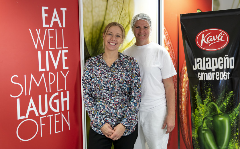 Ingunn Vårdal (t.v.) og Grete Moberg er stolte representanter for Kavli på International Food Contest i Herning, 2019