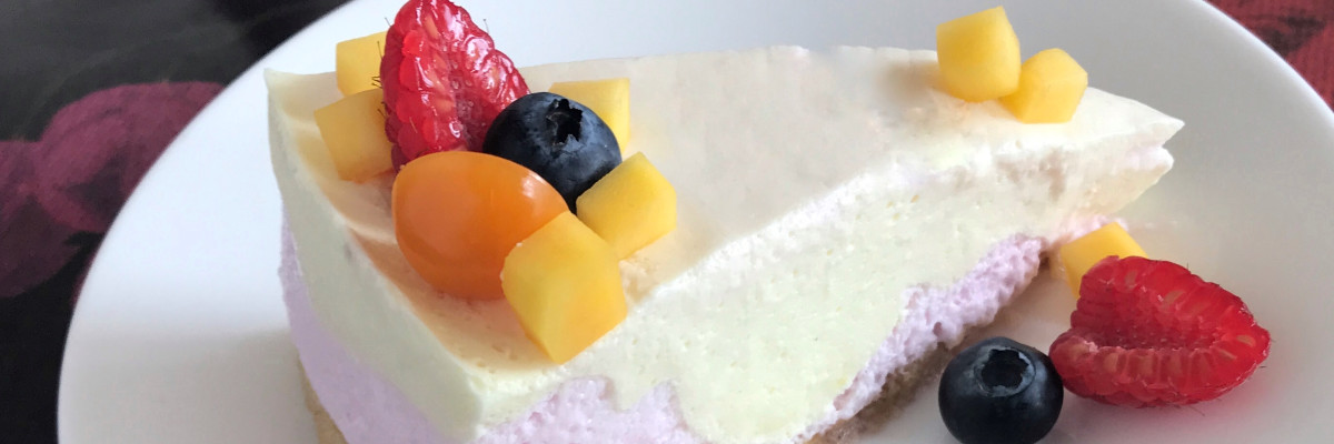 Ostekake med Sibas og bær