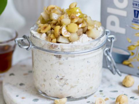 Overnight oat med päron och hasselnötter