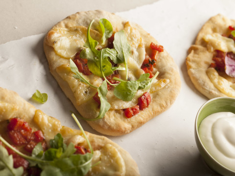 Minipizza med Kavli skivet ost jalapeño