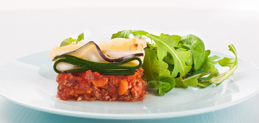 Moussaka med Kavli MagerOst Naturell er en deilig greskinspirert middag