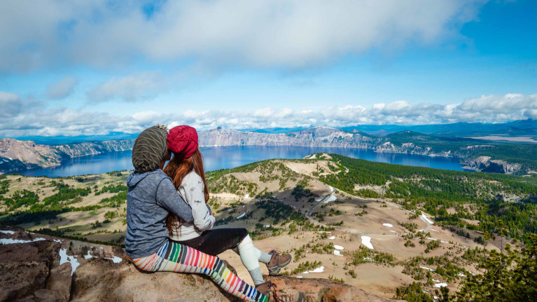 oag-careers-living-in-oregon-two-women-at-crater-lake