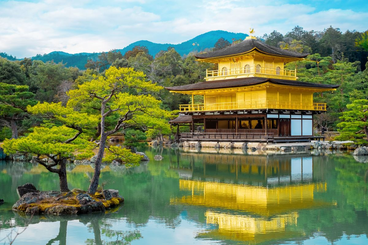 Famous Buddhist Temples in Tokyo & Japan | Global Basecamps