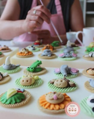 Jungle Animals Cupcake Class by Lady Berry Cupcakes - food in London