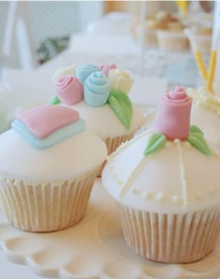 Beginners Cupcake Decorating Class by Lady Berry Cupcakes - food in London