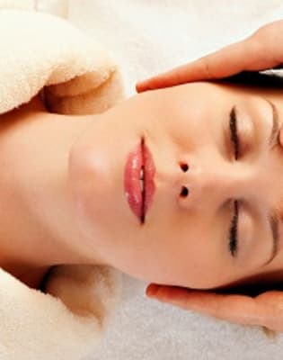 Full Body Massage Workshop by Midas Touch Crafts - health-and-beauty in London