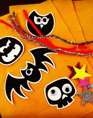 Little Crafters Halloween by The Old School Club - crafts in London