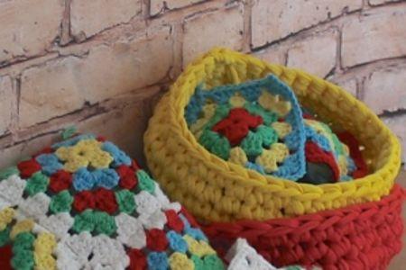 Crochet bowls & make your own t-shirt yarn - Obby