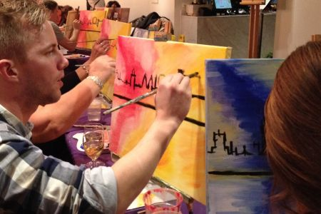 All abilities are welcome for this evening of painting and wine in Canary Wharf, inspired by London.