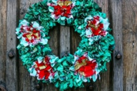 Rag rugging Christmas wreath - Obby