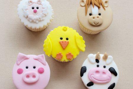Adult & Child Farm Yard Cupcakes