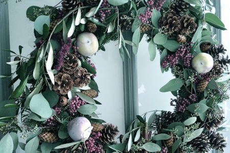 Make a Christmas wreath in Marylebone - Obby