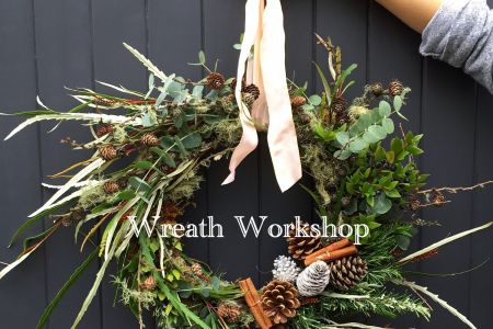 Christmas Wreaths with Flowers by Daisy at Pearl and Groove - Obby