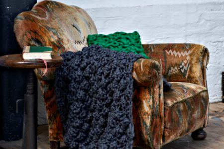Join an extreme knitting workshop in Wandsworth - Obby