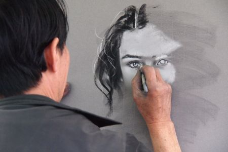 Learn to draw faces using a variety of materials and techniques at the National Portrait Gallery
