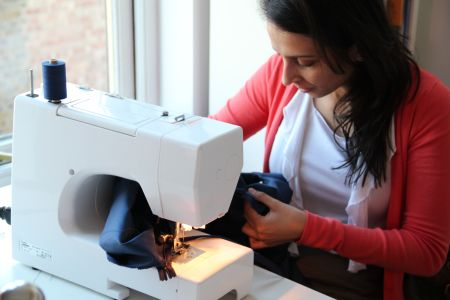Learn how to sewing and use a sewing machine in a 2 days intense course in East London at one of the best sewing schools in London