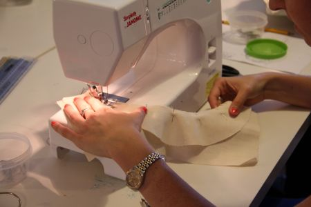 Sewing machine beginners class - the ultimate way of learning sewing.