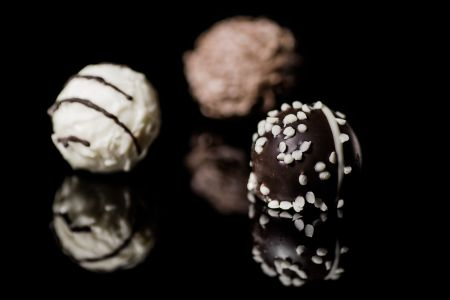 Discover the beautifully complex taste of chocolate in combination with champagne, wine and other spirits combining the force of the creations of Amelia Rope and the Berry Bros Rudd