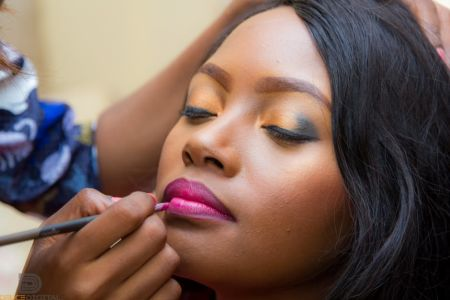 Learn the best makeup tips and tricks with your friends in Chancery Lane