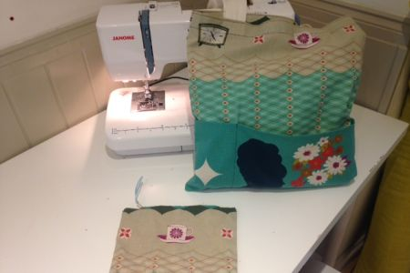 Join this welcoming Nest workshop and learn how to make a tote bag and a zipped purse.