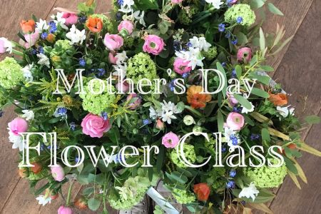 Celebrating all the Mums out there with a special flower class with Flowers By Daisy. Come along for an evening of seasonal, spring flower fun!