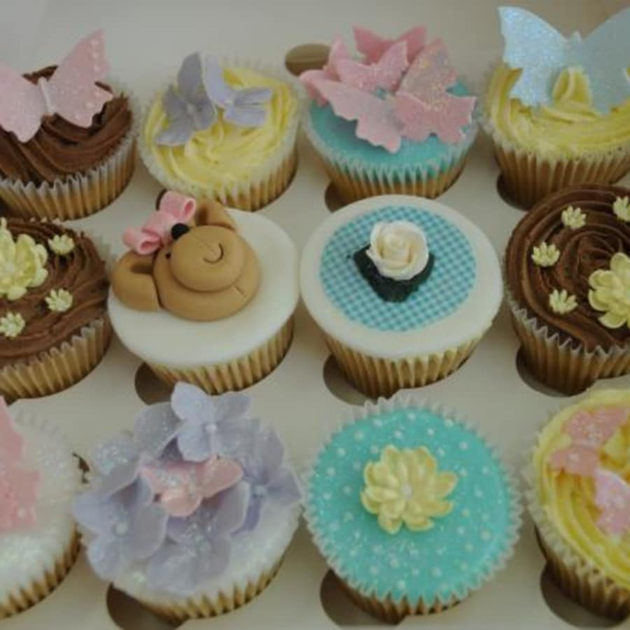Ultimate Cupcakes Masterclass by Cakes 4 Fun - food in London