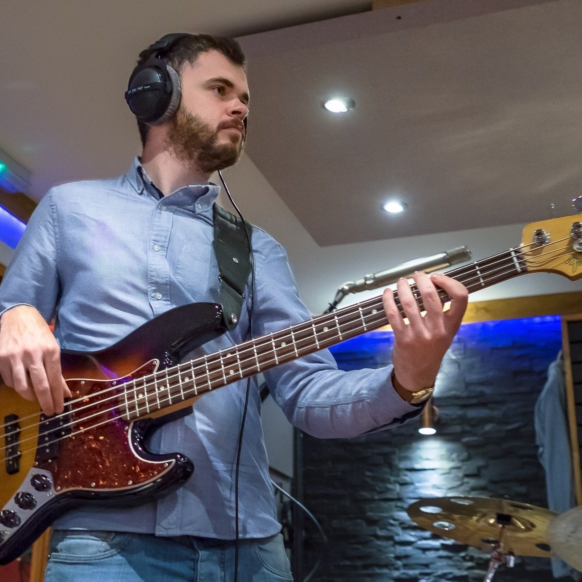 Beginners Bass Guitar Lessons with Ash Milburn by Ash Milburn - music in London
