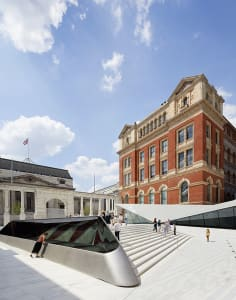 Victoria and Albert Museum art classes in London