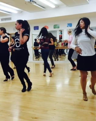 Salsa Improvers 2 by Caramelo Latin Dance Academy - dance in London