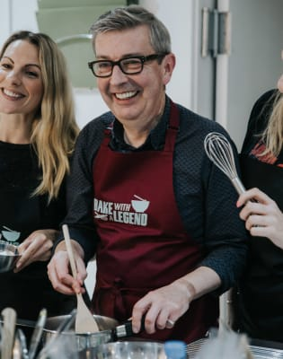 Meringue Class with GBBO's Howard by Bake with a Legend - food in London