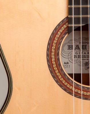 Beginner Classical Guitar Course by Goldberg Music School - music in London