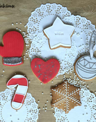 Festive Iced Biscuits and Baubles Class by Rock Bakehouse - food in London