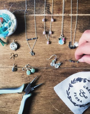 Beginners Jewellery Making Craft Workshop by Grace and Flora - crafts in London