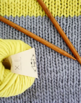 London Covent Garden Beginners' Knitting Workshop  by Stitch and Story - crafts in London