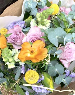 Flower Market Visit + Seasonal Floristry Workshop by The Flower Factory LDN - crafts in London