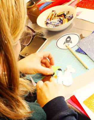 Make an Amazing Hair Accessory workshop by SoS15 Studio - crafts in London